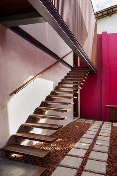 Galería de Casa en Lauro de Freitas / Jamelo Arquitetura - 18