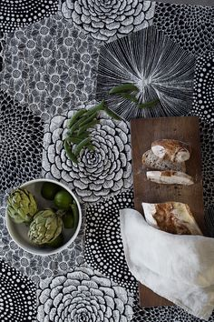 RUUT tablecloth. Design by Heini Riitahuhta. Woven in Finland by Lapuan Kankurit.