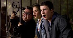'Goosebumps' Trailer: Watch Monsters Leap Off R. It's the attack of the garden gnomes! And lots of other, scarier creatures leaping from the pages of R. Stine's popular books in the first trailer for 'Goosebumps. Film 2015, 2015 Movies, Tv Series Online, Movies Online, Goosebumps 2015, Jack The Giant Slayer, Avengers Film, Trailer Film, Jars