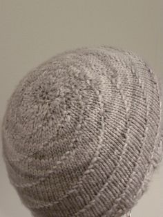 Hurricane Hat Copyright lovehestia, Andrea Goutier For private, non-commercial use only. Materials: Yarn: Malabrigo Merino Worsted, Colourway shown Pearl Needles: Circular Needl… Knitting Patterns Free, Knit Patterns, Free Knitting, Free Pattern, Swirl Pattern, Start Knitting, Knit Or Crochet, Crochet Hats, Spiral Crochet