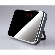 Esta cámara oculta en reloj espía de sobremesa con detección de movimiento posee un ángulo de visión de 140º y una autonomía superior a 24 horas. Graba con una resolución excelente gracias a su cámara de 2 Megapixels. Fácil manejo con su mando a distancia.