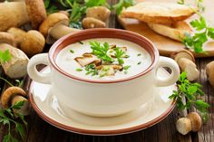 Cream Of Mushroom - Recettes - Soupes - Salad Recipes Healthy Creamy Mushroom Soup, Creamy Mushrooms, Stuffed Mushrooms, Stuffed Peppers, Broccoli Soup Recipes, Cream Of Broccoli Soup, Pasta Recipes, Easy Salads, Healthy Salad Recipes