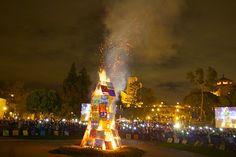Images from the UCLA Beat 'SC Bonfire and Rally 2012