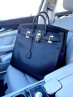My Hermès Haut à Courroies in Togo Noir leather with PHW. Predecessor to the much younger Hermès Birkin circa The HAC, introduced in is taller than the Birkin and has shorter straps. It's practical, chic and makes a great men's weekend travel bag.