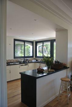 Rénovation d'une maison à Carry-le-Rouet - ACVV ARCHITECTURE - cuisine ouverte - intérieur.