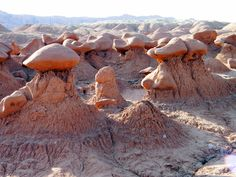 Goblin Valley State Park in Utah! Goblin Valley, Northwest Usa, Travel Sights, Outdoor Fun, Dream Vacations, State Parks, Utah, Cool Pictures, Beautiful Places
