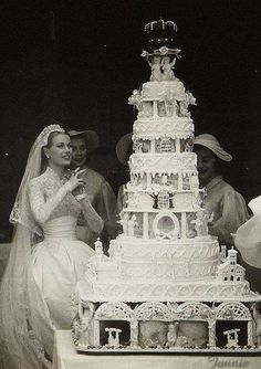 Princess Grace of Monaco after her church wedding on April She had mar. Princess Grace of Monaco after her church wedding on April She had married Prince Rainier the day before in a civil ceremony at The Palace. Grace Kelly Wedding, Grace Kelly Style, Prince Rainier, Royal Brides, Royal Weddings, Royal Wedding Cakes, Royal Wedding Dresses, Cake Wedding, Nautical Wedding