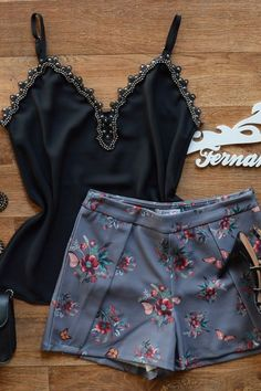 Shorts Archives - Page 2 of 11 - Fernanda Ramos Store Skirt Outfits, Cool Outfits, Fashion Outfits, Womens Fashion, Fashion Trends, Fashion Design, Party Fashion, Pull, Beautiful Outfits