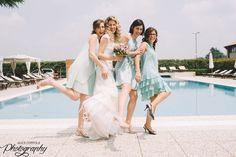 #bride and #bridesmaid #weddingday | @AliceCoppola Photographer