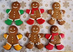 Gingerbread cookies by Akane86, via Flickr Christmas Cookies Gift, Christmas Deserts, Christmas Treats, Christmas Baking, Happy Birthday Cookie, Birthday Cookies, Cupcake Cookies, Best Gingerbread Cookies, Gingerbread Decorations