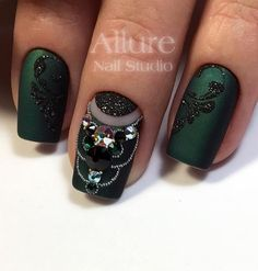 Wondrous Nail Arts for Ladies - Vincisjournal Shellac Nails Fall, Xmas Nails, Holiday Nails, Christmas Nails, Valentine Nails, Halloween Nails, Acrylic Nails, Clear Glitter Nails, Christmas Nail Designs