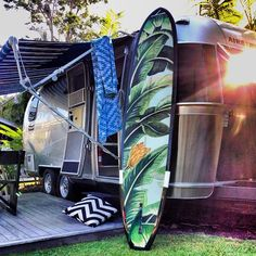 atlantic byron bay airstream - the stylists guide to the globe - the society inc by sibella court Surfboard Art, Web Instagram, Surf Shack, Surf Art, Byron Bay, Beach Cottages, Beach Art, Indoor Outdoor, Surfing