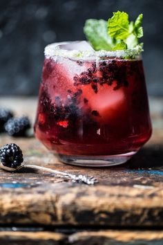 Blackberry Bourbon Smash - so yummy, refreshing and super easy! Perfect way to start off a late summer weekend! From halfbakedharvest.com