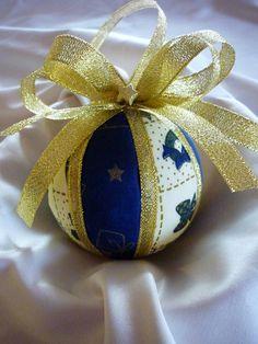 Karácsonyi mintás textillel bevont  hungarocell gömb (kék arany - karácsonyi mintás), Karácsonyi, adventi apróságok, Karácsonyfadísz, Karácsonyi dekoráció, Meska