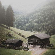 Althaus Weissenbach - Ahrntal South Tyrol Italy  Photo Eberhard Grossgasteiger    #althaus #Weissenbach #tyrol #italy #southtyrol #alps #mountains #mountain #nature #wild #house #amazingworld #amazingworldtours #exploretheworl #travel #beautifuldestinations #traveltheworld #worldtraveler South Tyrol, World Traveler, Italy, Mountains, House Styles, Amazing, Nature, Instagram, Haus