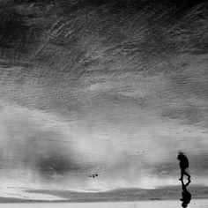 emotionally-reflective-photography-13