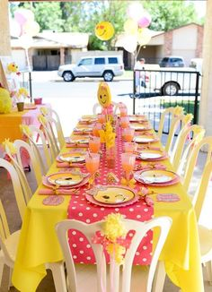 Emoji guest table from a Pink & Gold Emoji Birthday Party on Kara's Party Ideas . 10th Birthday Parties, Birthday Party Decorations, Girl Birthday, Birthday Emoji, Birthday Ideas, Emoji Theme Party, Emoji Cake, Birthdays, Party Ideas