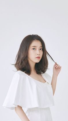 Iu Short Hair, Iu Hair, Korean Short Hair, Haircuts For Medium Hair, Medium Hairstyles, Girl Hairstyles, Shot Hair Styles, Korean Actresses, Beautiful Asian Girls