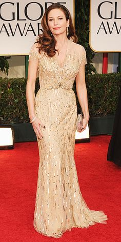 Diane Lane threw on some leftover Christmas-tree tinsel and it looks good. #goldenglobes