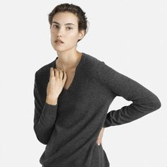 The Slouchy Cashmere V-Neck - Everlane