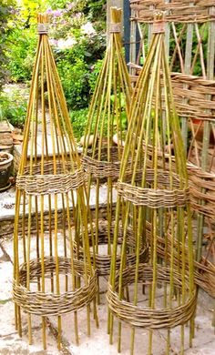 2.0m   Willow Obelis