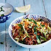 Vegetable slaw with a light and zesty dressing South African Recipes, Ethnic Recipes, Main Meals, Salads, Dressing, Vegetarian, Yummy Food, Favorite Recipes, Vegetables
