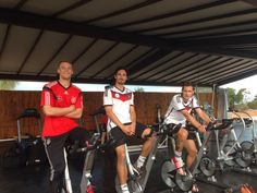 Twitter / DFB_Team : Neuer Hummels Klose