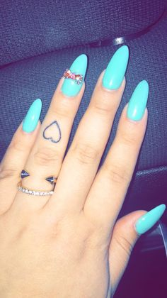 small heart tattoo on finger #ink #YouQueen #girly #tattoos