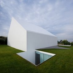 Minimalist house in portugal by Manuel Aires Mateus
