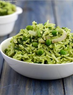Spinach and Green Pea Rice recipe, Palak and Vatana Rice - Rice Recipes Pea Recipes, Spinach Recipes, Indian Food Recipes, Vegetarian Recipes, Cooking Recipes, Chilli Recipes, Vegan Meals, Chicken Recipes, Rice And Green Peas Recipe