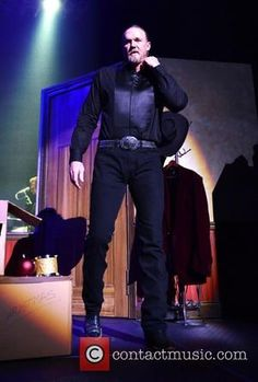 trace- adkins- trace- adkins-performs-live-in_4002313.jpg
