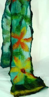 http://www.tafalist.com/members/pamela-penney-textile-arts    Nuno felt scarf by Pamela Penney Textile Arts.