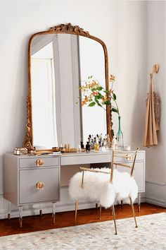 4 popular ideas for makeup vanity mirror. This one example, Large mirror vanity makeup ideas