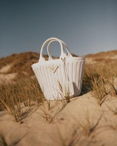 Luxury Purses, Luxury Bags, Fashion Handbags, Fashion Bags, Shooting Bags, Photography Bags, Louis Vuitton Crossbody, Buy Bags, Accesorios Casual