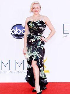 Elisabeth Moss en Dolce and Gabbana #Emmys