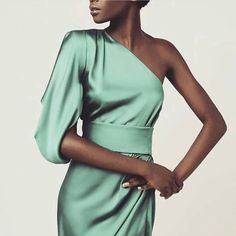 abiti cerimonia Abito monospalla bridal sets & bridesmaid jewelry sets - a complete bridal look Let' Paris Chic, Evening Dresses, Prom Dresses, Formal Dresses, Elegant Dresses, Beautiful Dresses, Party Mode, Modelos Fashion, Elegantes Outfit