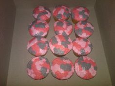 Camo cupcakes Love it! Would be cute for a baby shower, and blue camo for boy of course