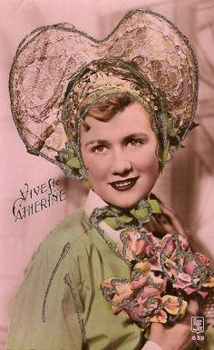 Image Halloween, Sainte Catherine, Image Nature, Art Populaire, Images Vintage, St Patrick, Crown, Hats, Women