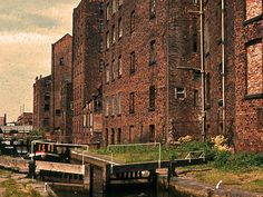 Havelock mills, Rochdale canal, junction with Bridgewater Basin. current day Rain! bar