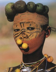 Natural Fashion, People of the Omo Valley.   Hans Silvester.