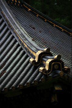 black | gold | tiles | oriental | roof | pattern | texture