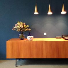 #newblue #dieterwaeckerlin #sideboard #credenza #flowers #golden #lamps #thorens