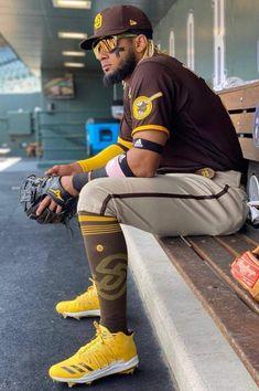 Baseball Uniforms, Baseball Boys, Sports Uniforms, Major League Baseball Teams, Mlb Teams, Mlb Players, Baseball Players, Baseball Wallpaper, Fast Sports Cars