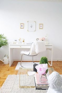 20 Ways To Use IKEA Micke Desk In Your Interior | ComfyDwelling.com #ways #IKEA #micke #desk #interior