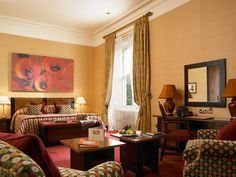 http://www.cntraveler.com/hotels/europe/ireland/dromoland-castle-hotel-co-clare-county-clare-ireland/_jcr_content/par/cn_contentwell/par-main/cn_colctrl/par-col1/cn_rotator/item1.size.dromoland-castle-co-clare-co-clare-brit_ireland-105392-2.jpg