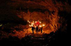 La grotte de la Luire, plus grande remontée d'eau de la planète, vous offre une visite guidée unique en son genre.