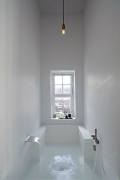 Interior design Minimalist Bath - Here we showcase a a collection of perfectly minimal interior design examples for you to use as inspiration Check out the previous post in the series 28 Bad Inspiration, Bathroom Inspiration, Interior Inspiration, Bathroom Ideas, Bathtub Ideas, Bathroom Layout, Bathroom Colors, Bathroom Goals, Bathroom Yellow
