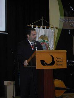 El Lic. Enrique Moreno Kegel es Abogado egresado de la Universidad Nacional Autónoma de México, originario de la ciudad de México, trabajó de 2000 a 2007 en el Consulado de México en Nueva York; de 2007 a 2010 como encargado del Departamento Jurídico de la Delegación de la Secretaría de Relaciones Exteriores en la Ciudad de Tijuana y de 2010 a 2012 siendo secretario auxiliar de la Presidencia Municipal del Ayuntamiento de Playas de Rosarito, B. C.