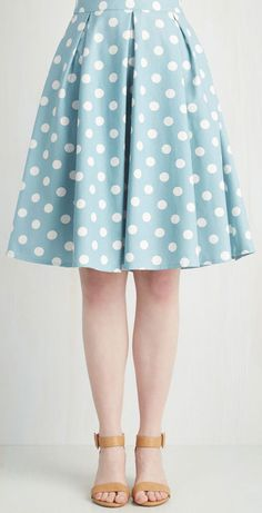 i LOOOOVE this!!!! But I would add a white ruffle to the hem so the skirt comes below the knees. Sweet Yourself Skirt in Blueberry