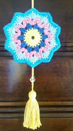 Mandala em Crochê Crochet Flower Patterns, Afghan Crochet Patterns, Crochet Motif, Crochet Designs, Crochet Doilies, Crochet Flowers, Crochet Stitches, Crochet Gifts, Cute Crochet